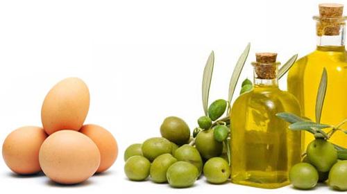 Se khít lỗ chân lông với trứng gà và dầu oliu